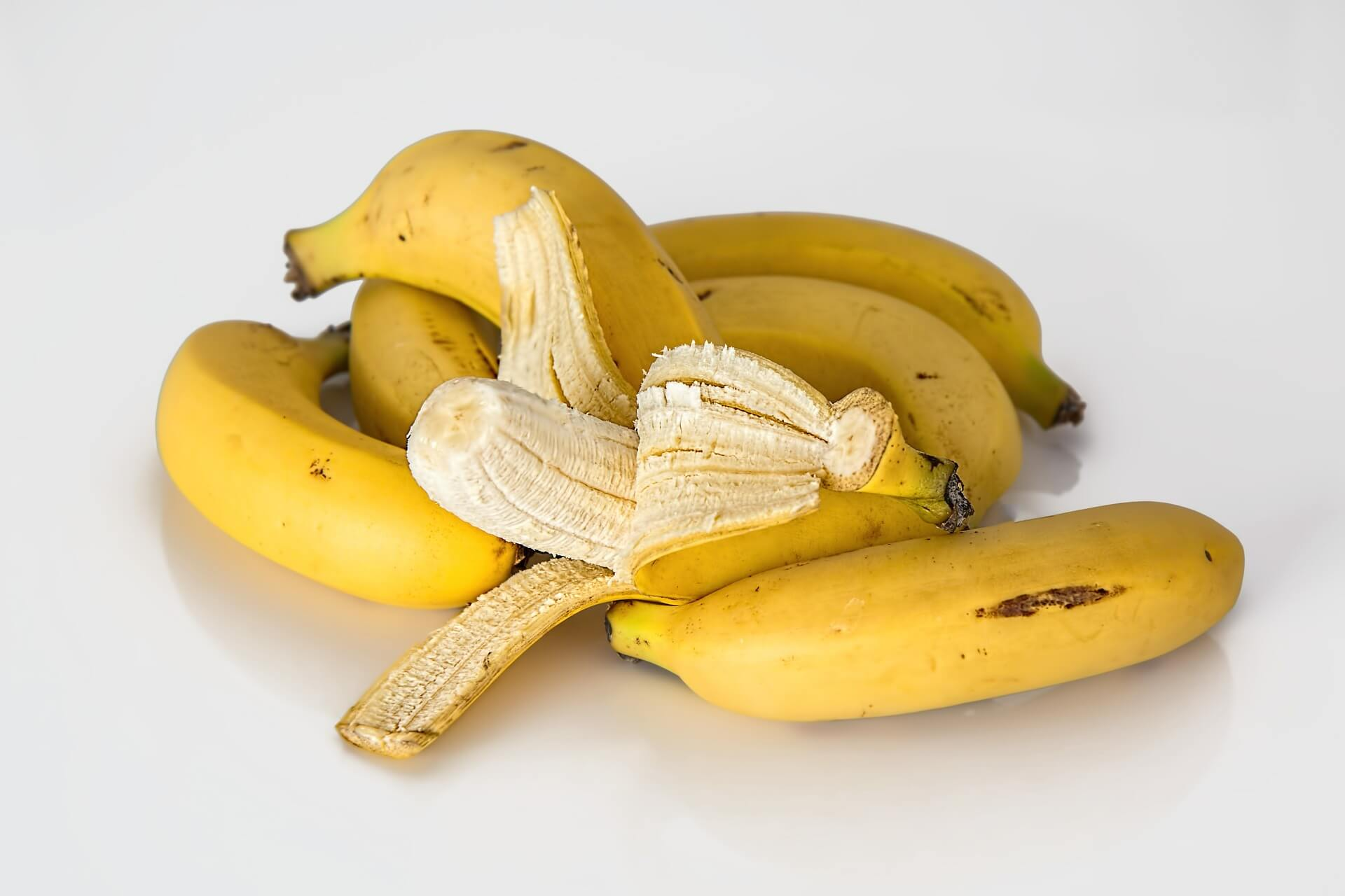 banana peel natural teeth whitening