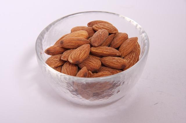 almonds, nuts, diet
